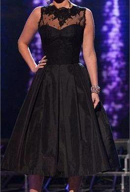 Tulisa Looking Demure In Stephanie Allin Gown On The X-Factor Last Night... 1