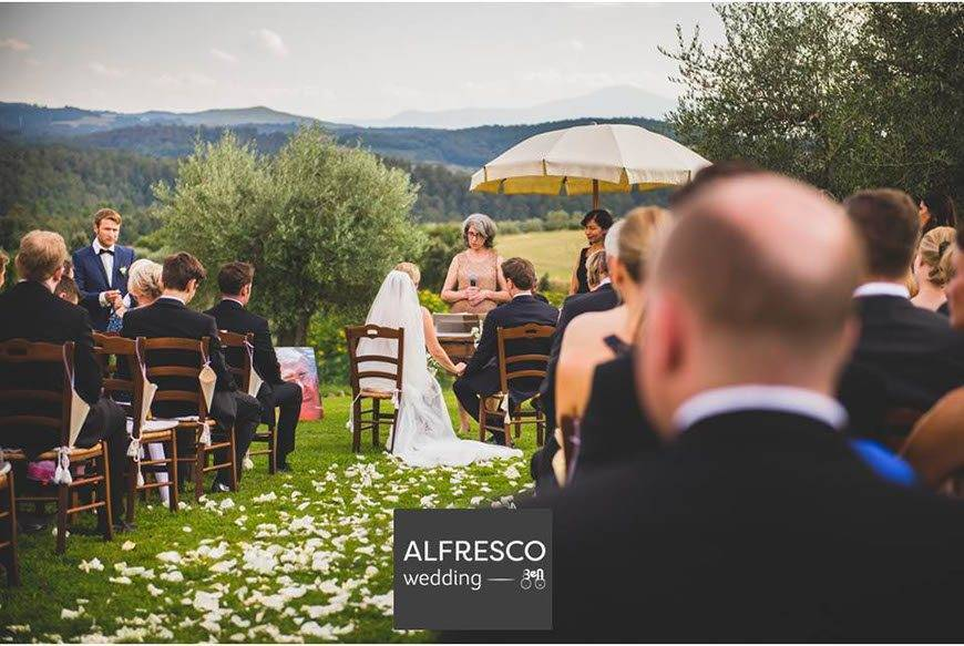 A-ceremony-in-Tuscany