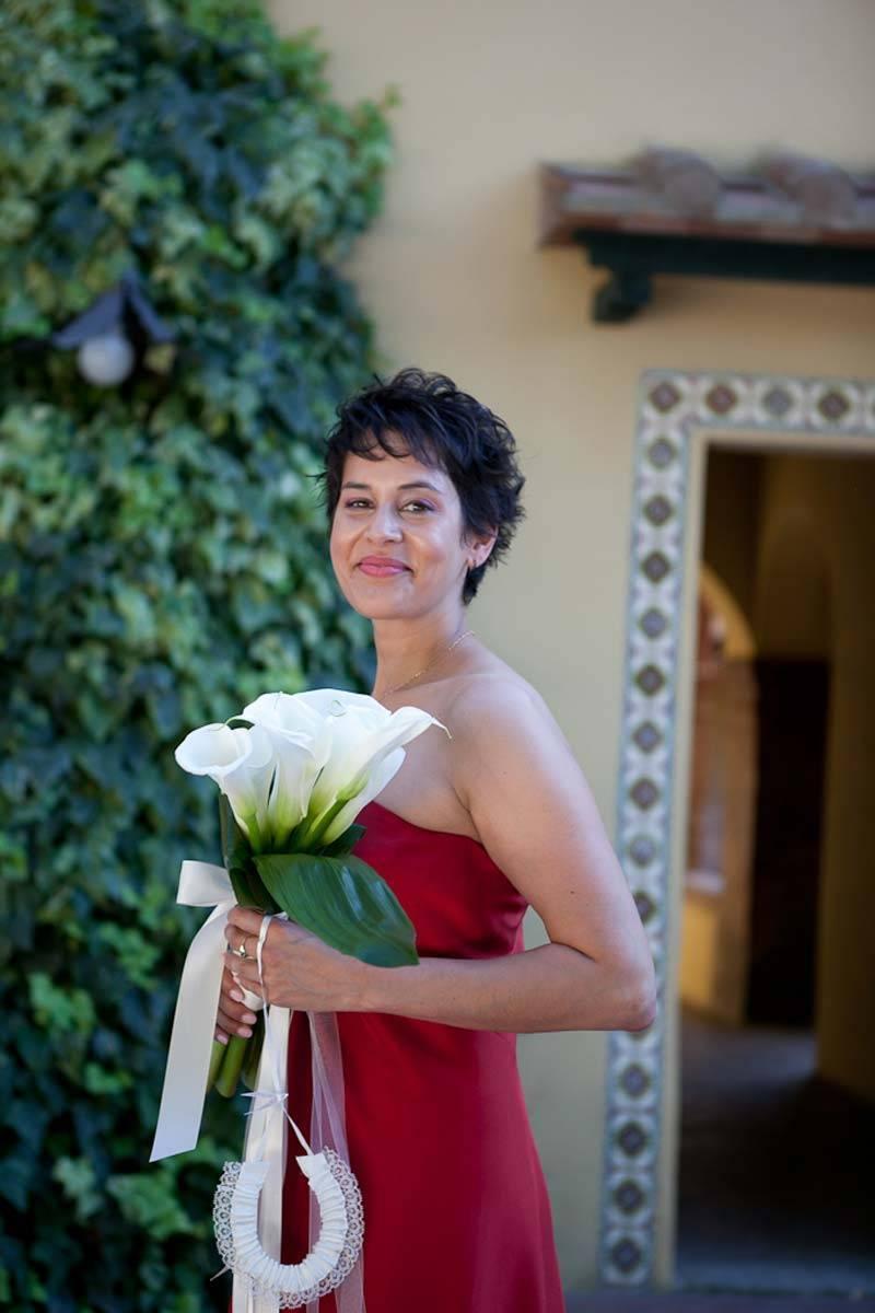 Beautiful-Bridesmaid-dressed-in-red