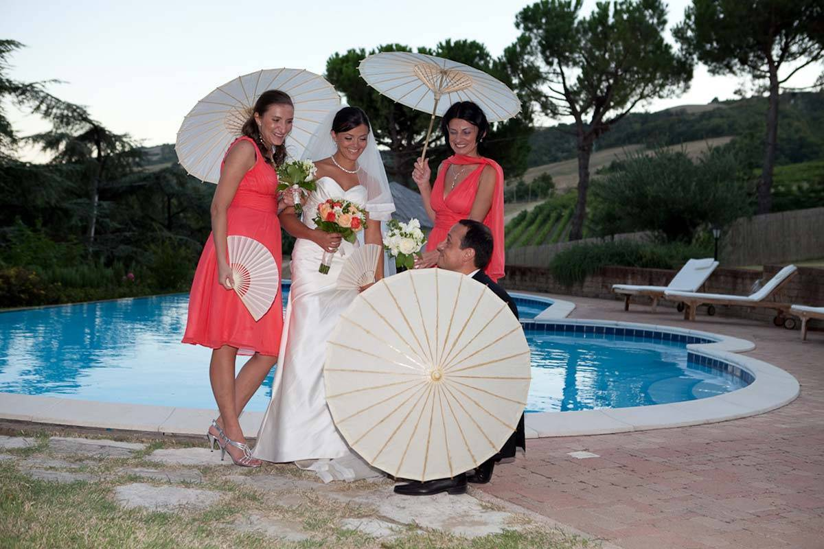 Bridesmaids bride and groom - Luxury Wedding Gallery