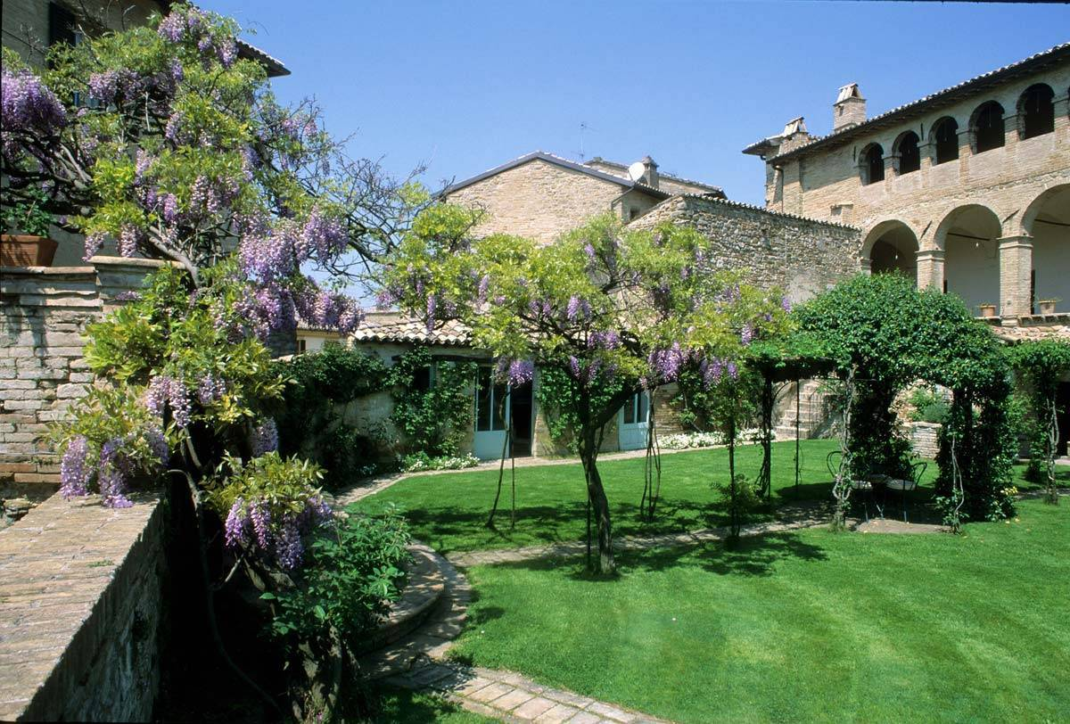 Charming Wedding Hamlet in Umbria - Luxury Wedding Gallery
