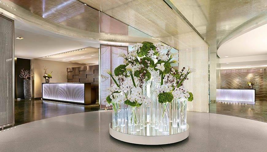 Concierge-area-Hotel-President-Wilson-a-Luxury-Collection-Hotel-Geneva
