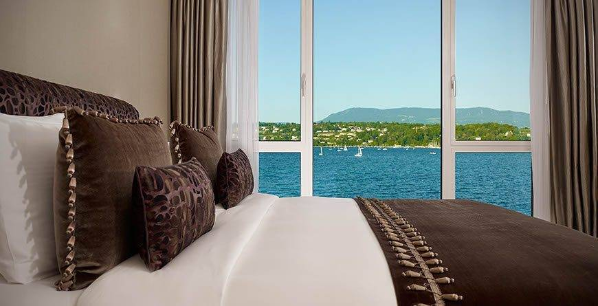 Crown Suite bedroom with lake view Hotel President Wilson a Luxury Collection Hotel Geneva - Luxury Wedding Gallery