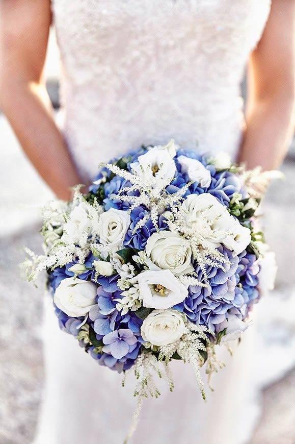 Dream Weddings Mykonos bridal bouquet 2 - Luxury Wedding Gallery