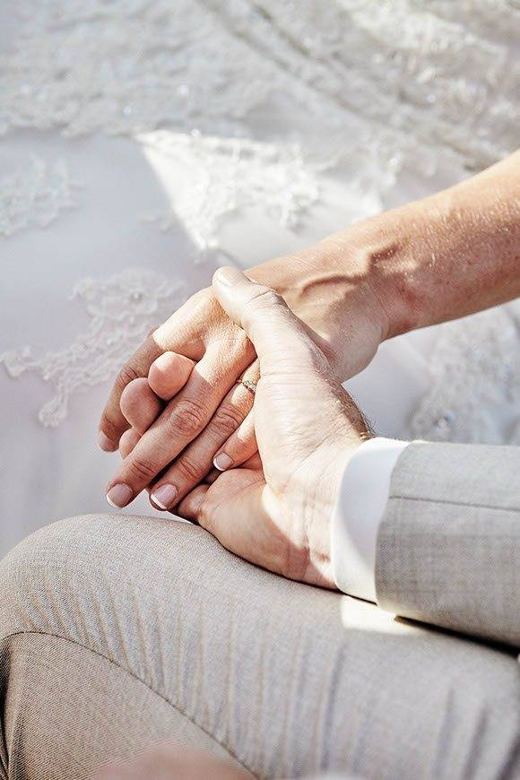 Dream-Weddings-Mykonos-holding-hands
