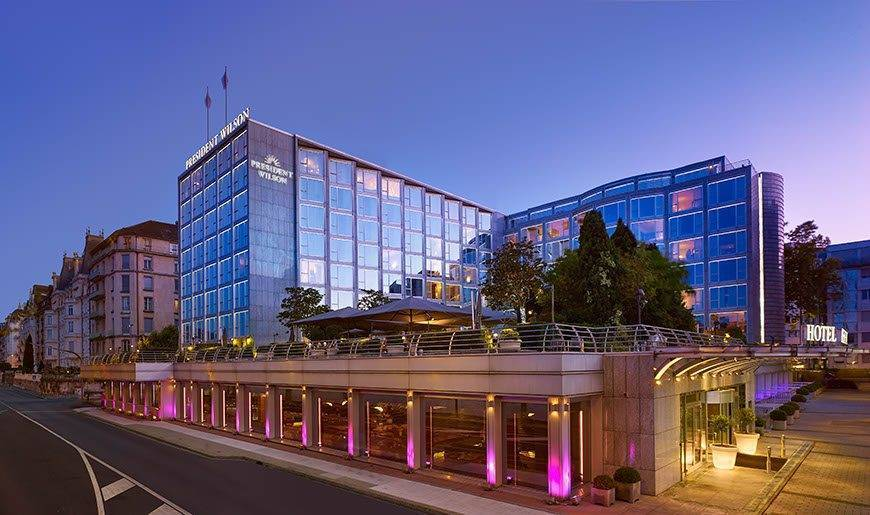 Exterior at twilight Hotel President Wilson a Luxury Collection Hotel Geneva - Luxury Wedding Gallery