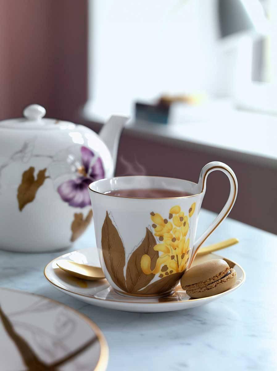 Flora teacup JPG - Luxury Wedding Gallery