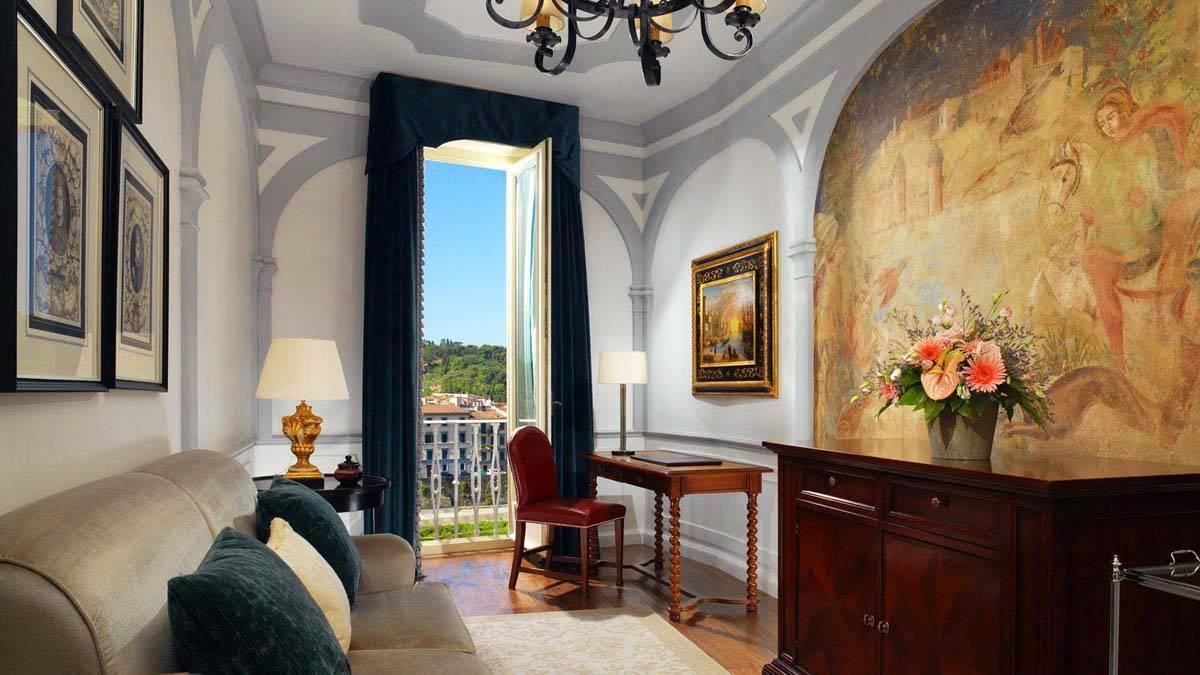Grand Deluxe Suite Palazzo Vecchio Living Room - Luxury Wedding Gallery