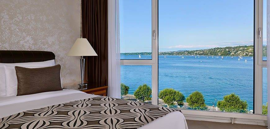 Junior Leman Suite bedroom with lake view Hotel President Wilson a Luxury Collection Hotel Geneva - Luxury Wedding Gallery
