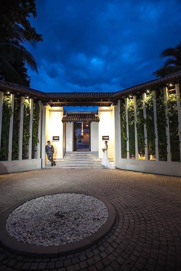 Le Me%CC%81ridien Koh Samui Resort Spa Bride Groom at Hotel Entrance - Luxury Wedding Gallery