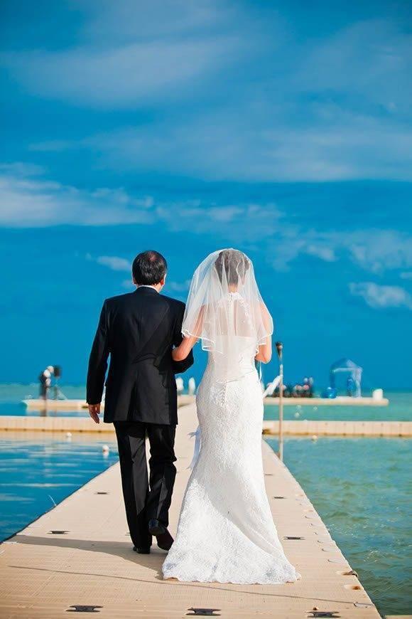 Le Me%CC%81ridien Koh Samui Resort Spa Bride Groom at Ocean Pier 03 - Luxury Wedding Gallery