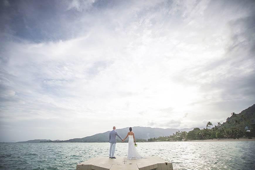 Le Me%CC%81ridien Koh Samui Resort Spa Bride Groom at Ocean Pier - Luxury Wedding Gallery
