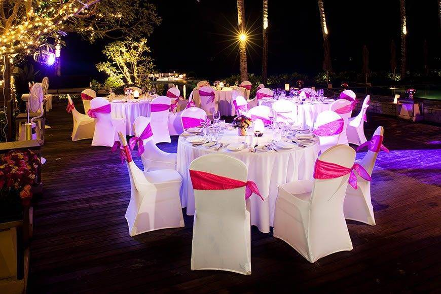 Le Me%CC%81ridien Koh Samui Resort Spa Dinner at Pool Deck - Luxury Wedding Gallery