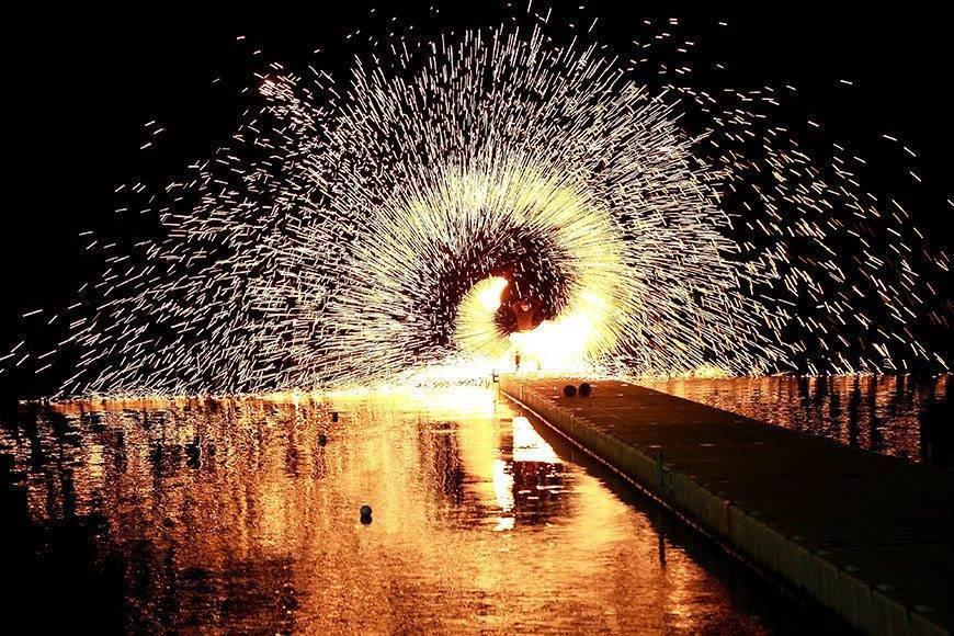 Le-Méridien-Koh-Samui-Resort-Spa-Fire-Show-at-Ocean-Pier