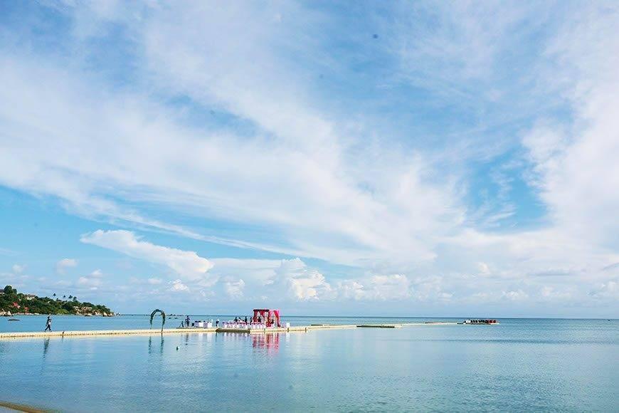 Le Me%CC%81ridien Koh Samui Resort Spa Western Wedding at Ocean Pier 01 - Luxury Wedding Gallery