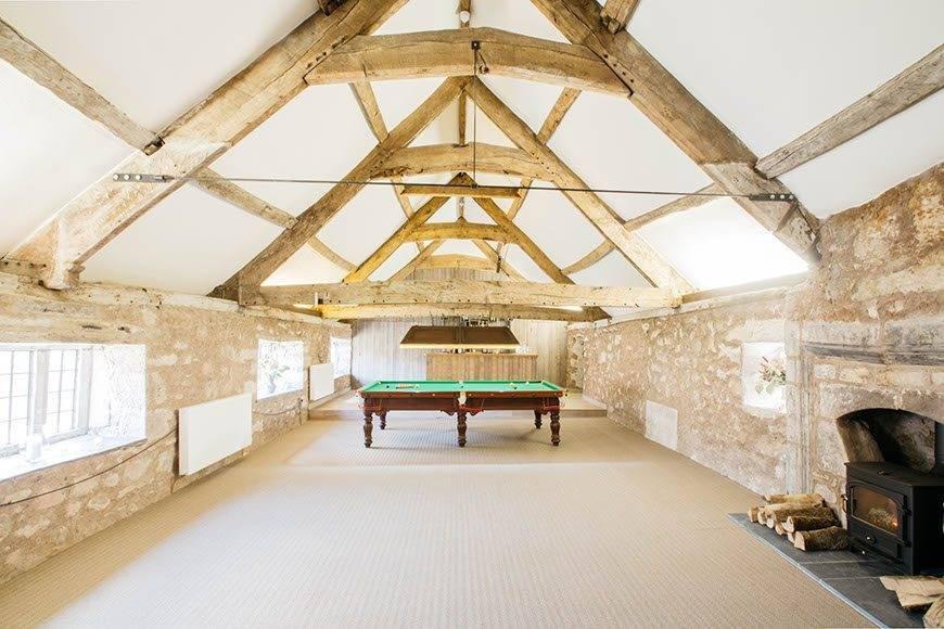 Medieval Banquet Hall - Luxury Wedding Gallery