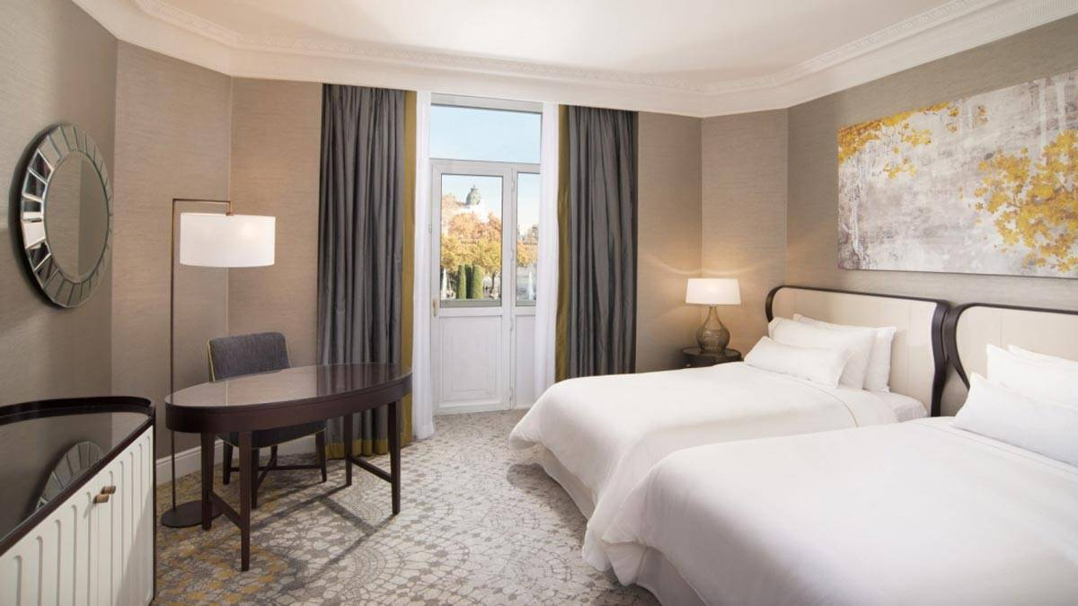 New-gallery-Premium-View-Room-The-Westin-Palace-Madrid-1600x900