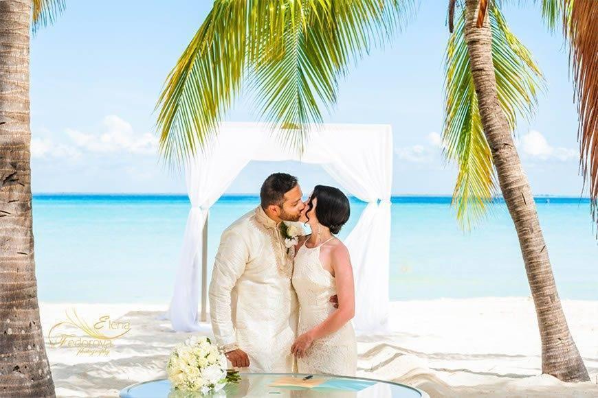 Papillon Weddings Events Caribbean Sea Ceremony 2 - Papillon Weddings & Events – Portfolio