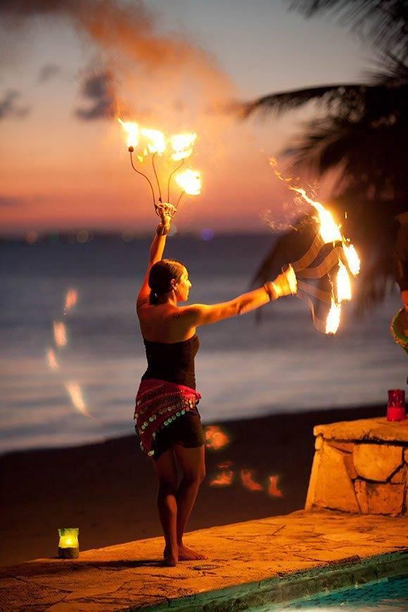 Papillon-Weddings-Events-Fire-Dancers-Mexico
