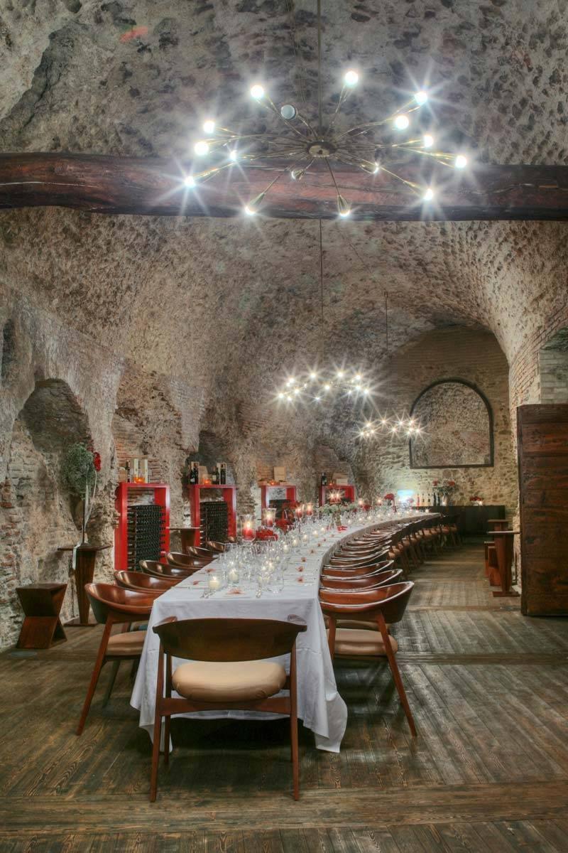 Prestigiuos Roman place Wedding table setting - Luxury Wedding Gallery