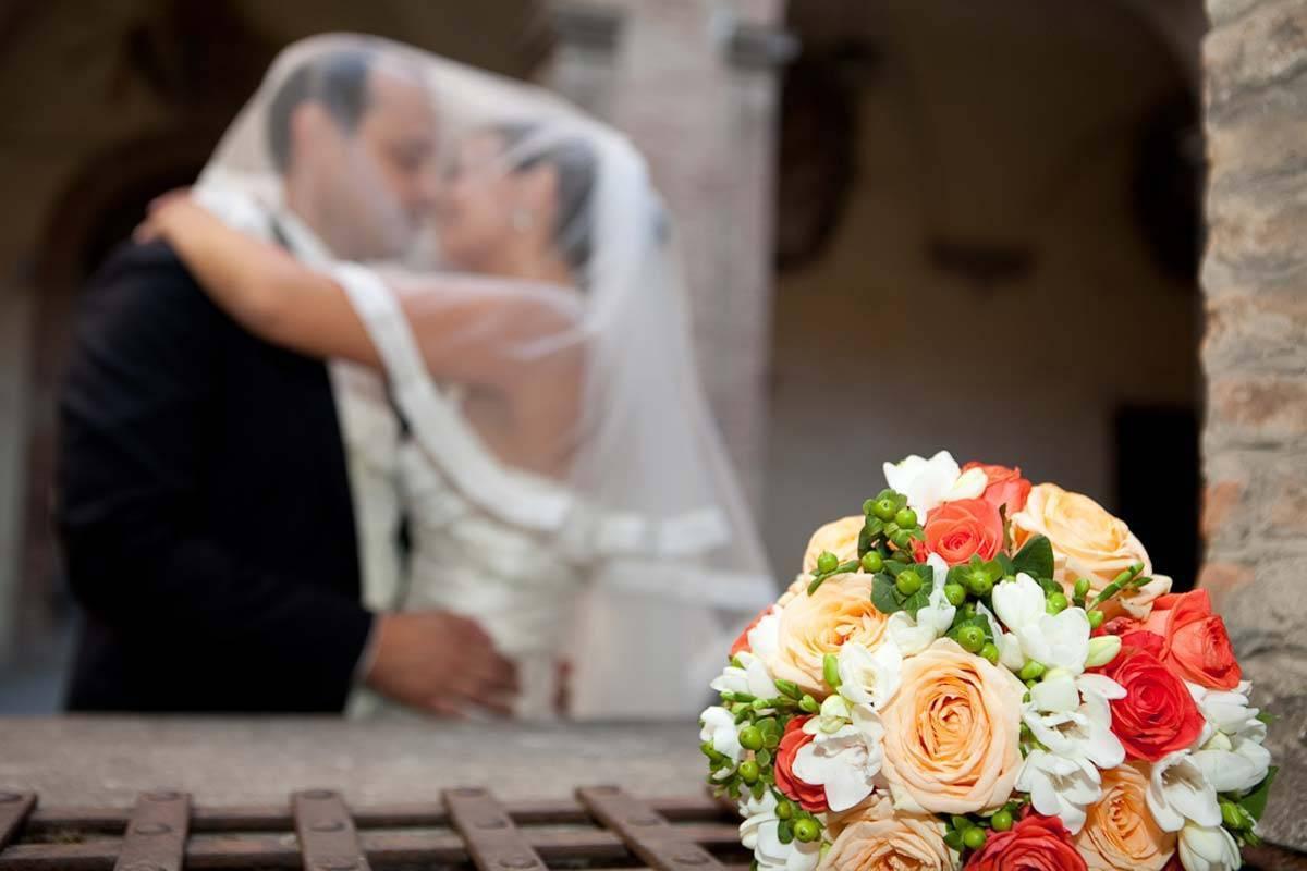 Romantic Wedding couple - Luxury Wedding Gallery