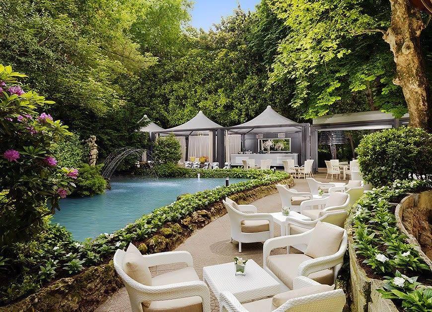 Sheraton-milan-Itallian-wedding-venues-garden