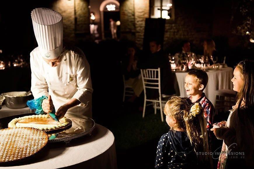 Wedding Cake Entertainment - Luxury Wedding Gallery