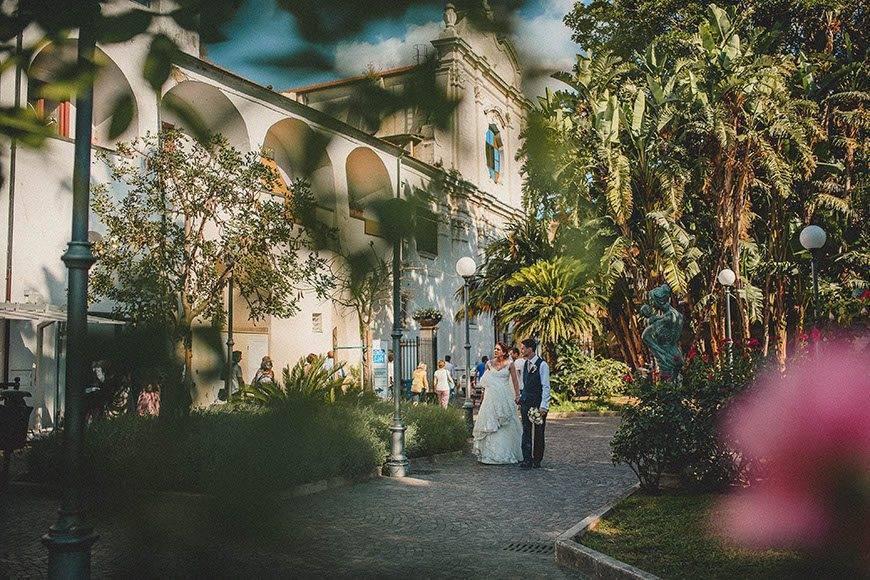 Wedding Couple Sorrento Cloisters - Luxury Wedding Gallery