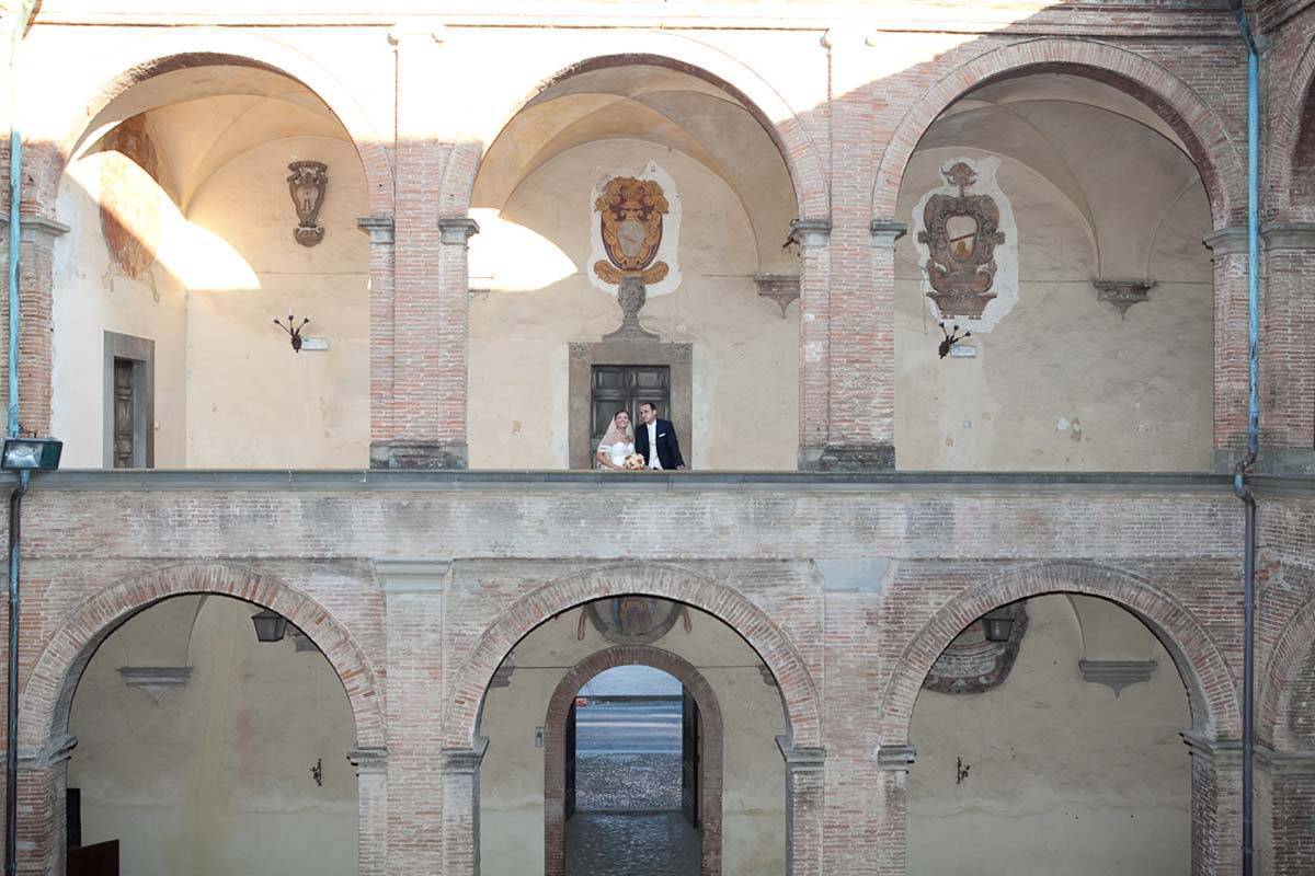 Wedding-couple-picture-in-a-very-beautiful-place