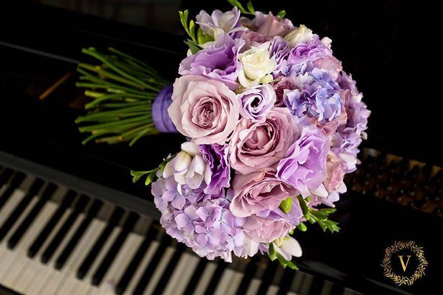 blush shades pink bouquet  - Luxury Wedding Gallery