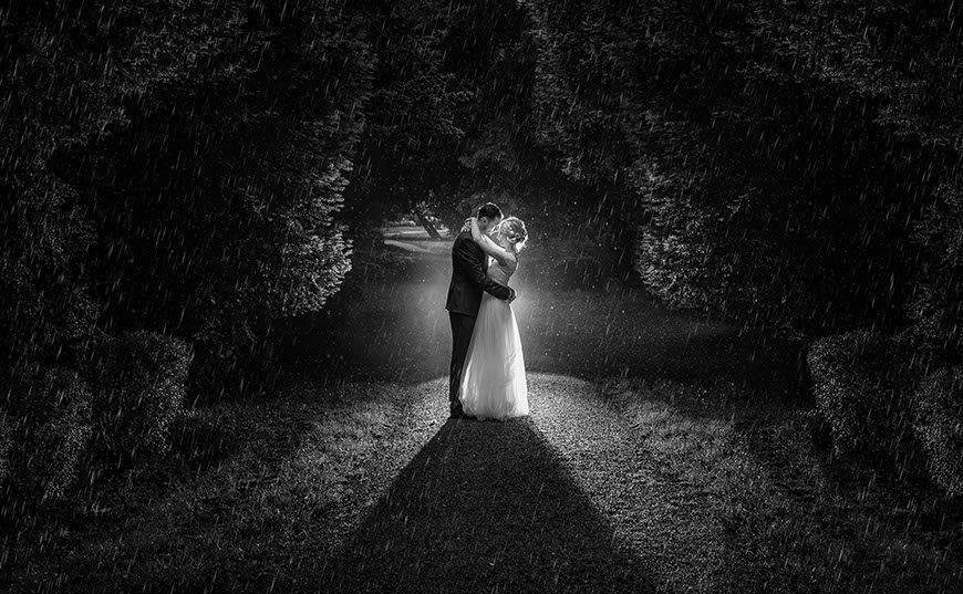 bride-and-groom-kissing-in-park-split-croatia