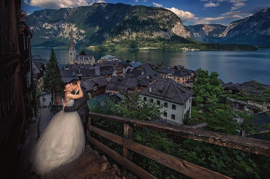 bride-groom-in-hallstatt-austria-wedding