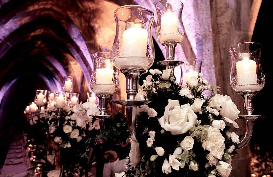 candles and flowers - Luxury Wedding Gallery