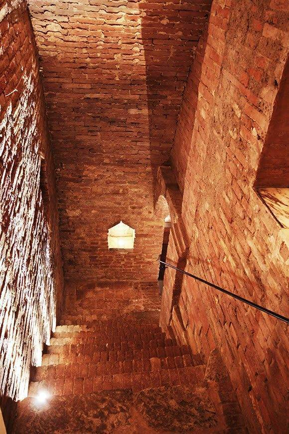 cellar stair - Luxury Wedding Gallery