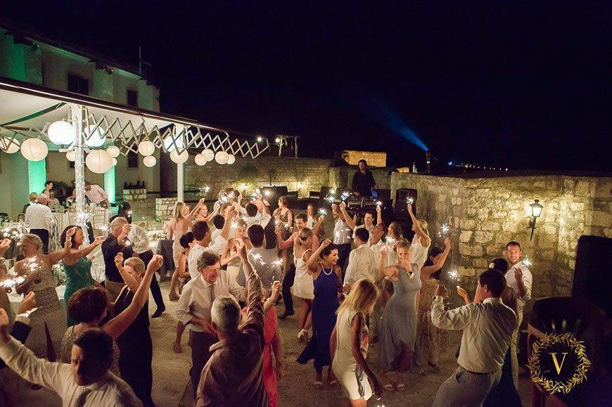 dancing-with-sparkles-on-fortress-wedding-in-Hvar