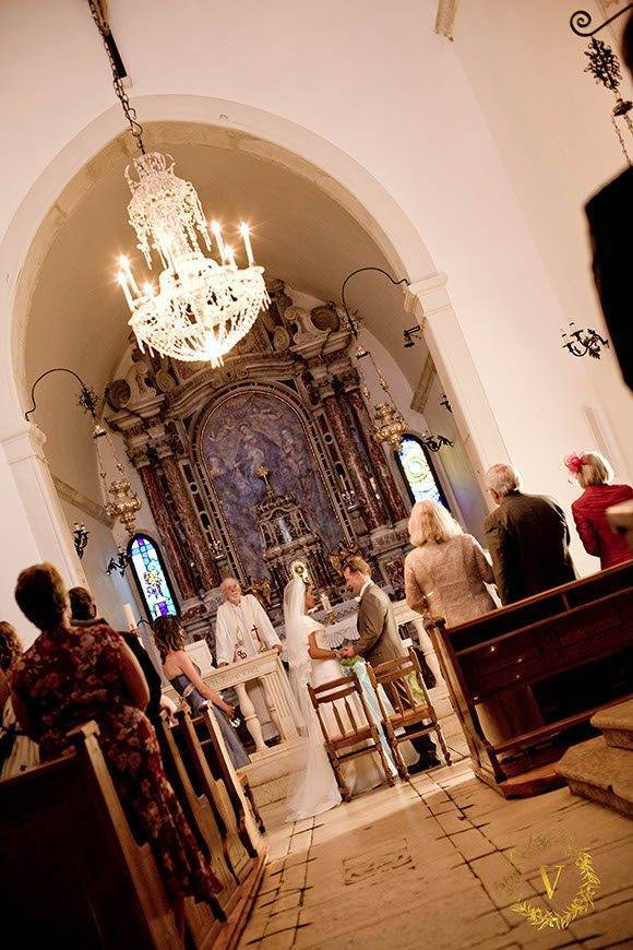 intimate-religious-ceremony-in-dominican-monastery-in-Bol