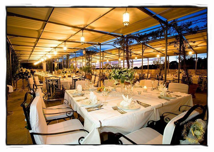 lush-white-and-green-centrepieces-for-Kia-and-Fred-wedding-reception