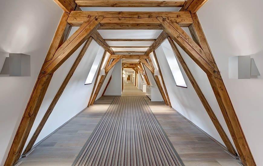 lux4310ag 179432 Corridor - Luxury Wedding Gallery