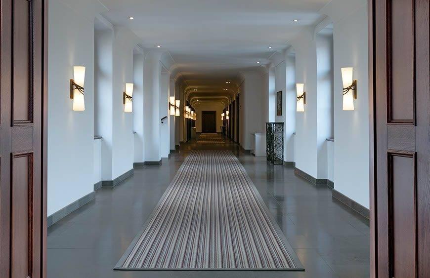 lux4310ag 179433 Corridor - Luxury Wedding Gallery