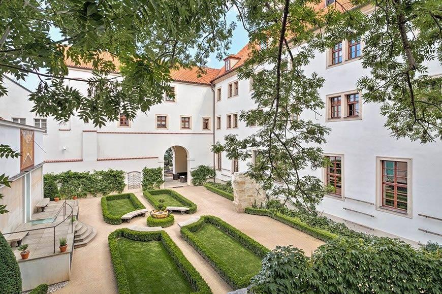 lux4310ex 178070 Sundial Garden - Luxury Wedding Gallery