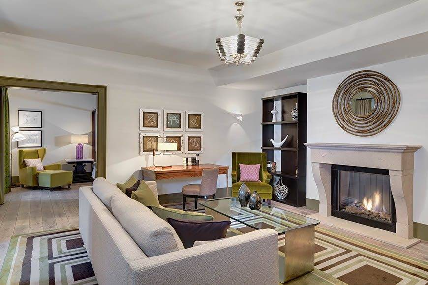 lux4310gr 179469 Moser Suite living room - Luxury Wedding Gallery