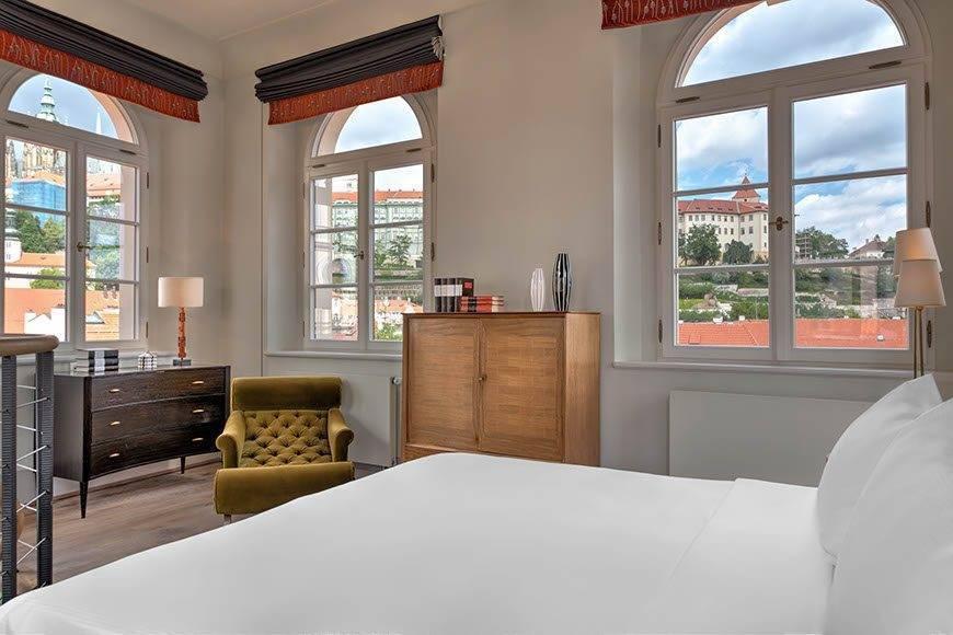 lux4310gr 179475 Tower Suite bedroom - Luxury Wedding Gallery