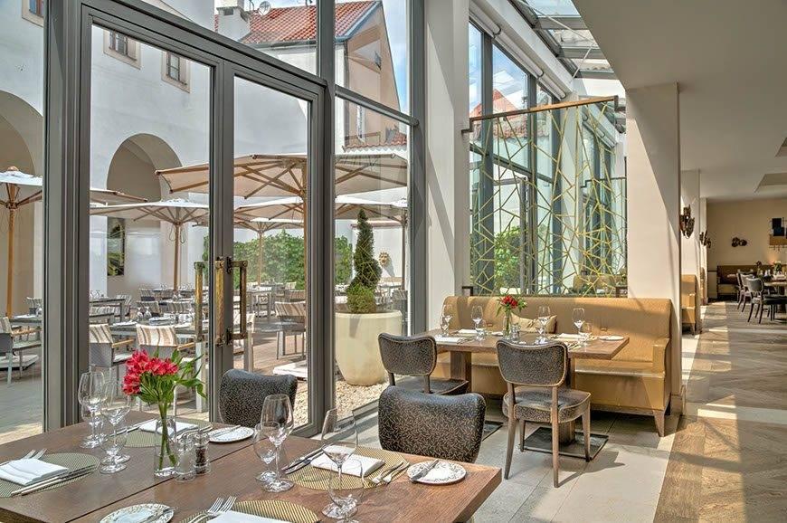 lux4310re 179447 Augustine Restaurant - Luxury Wedding Gallery