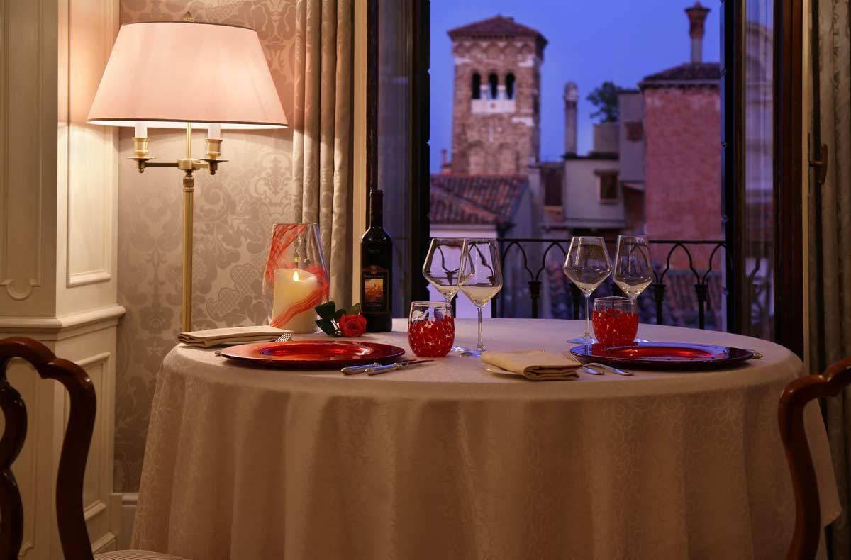 lux72gr-167488-Dandolo-Suite-In-room-dining