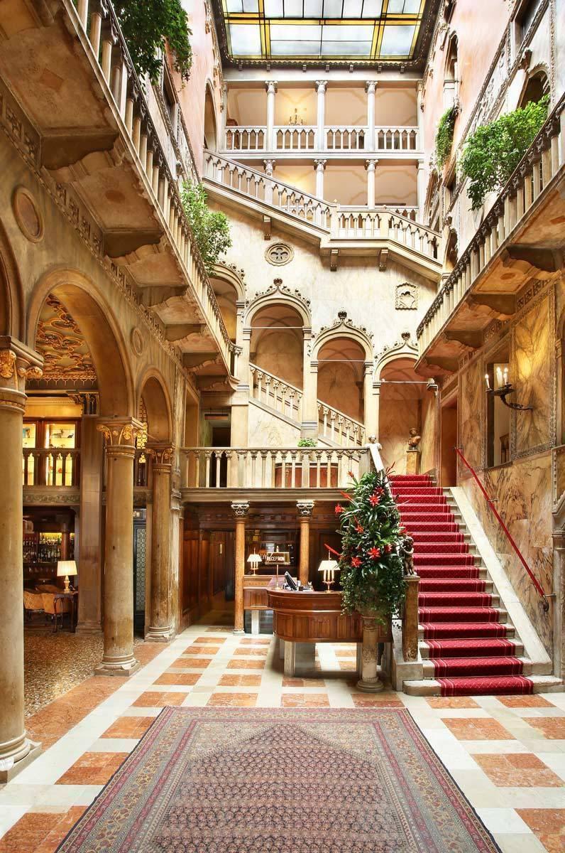 lux72lo-167484-Palazzo-Dandolo-Hall