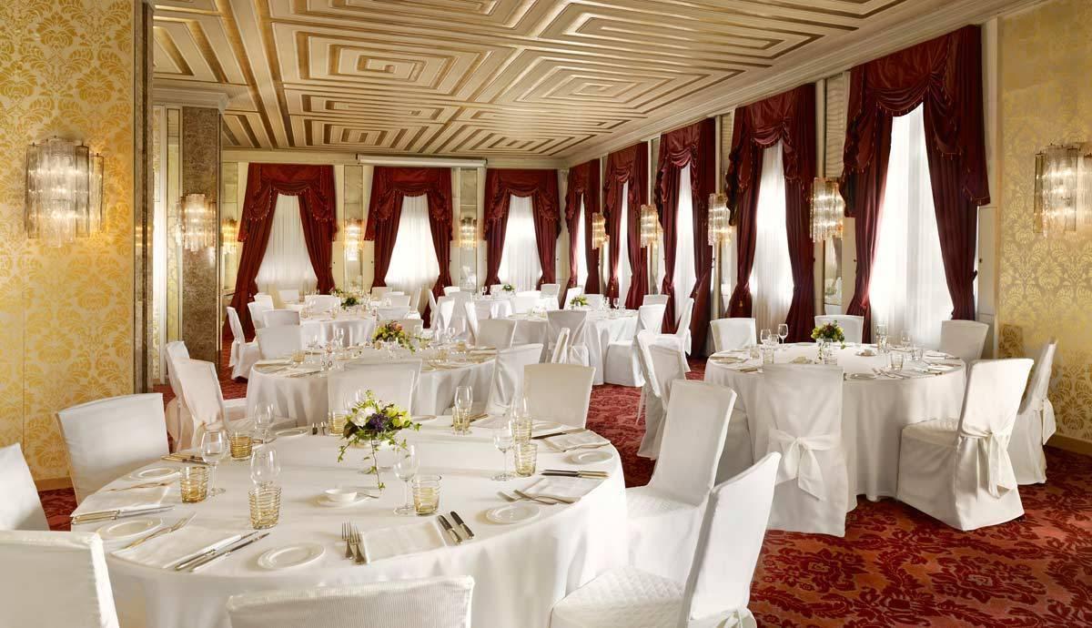 lux72mf-123584-Salone-Marco-Polo-wedding-setup