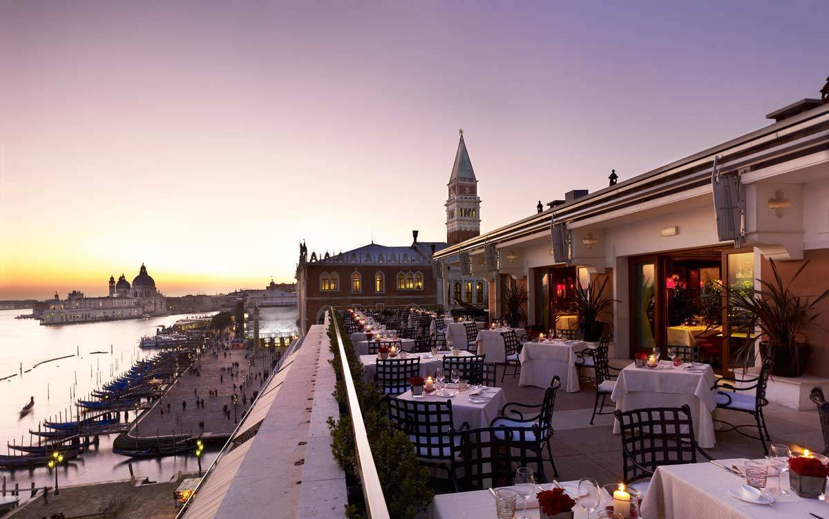 lux72re-115698-Restaurant-Terrazza-Danieli-Terrace-at-sunset-1