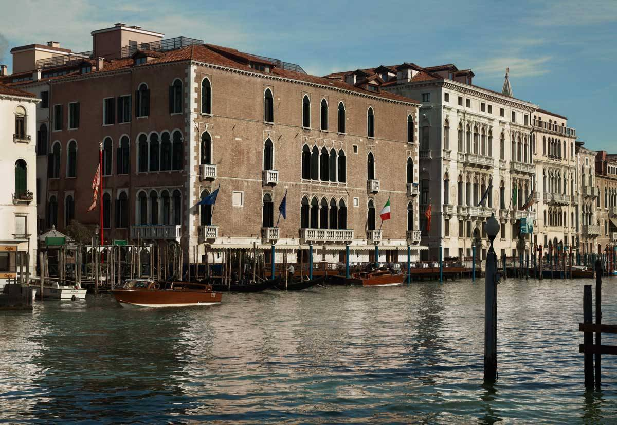 lux73ag 134445 Hotel Exterior Grand Canal - Luxury Wedding Gallery