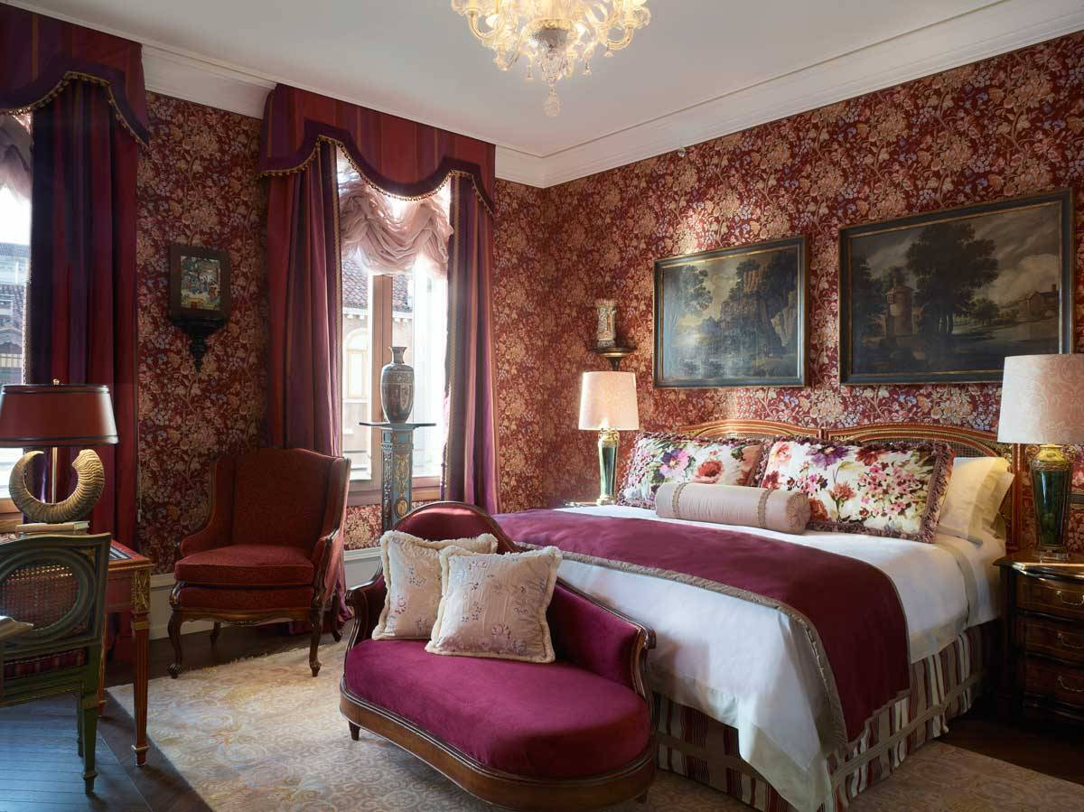 lux73gr 135453 The Ruskin Patron Grand Canal Suite - Luxury Wedding Gallery