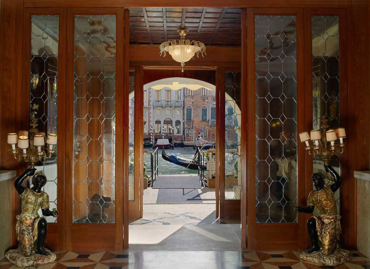 lux73lo 134436 Grand Canal Entrance - Luxury Wedding Gallery